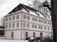 """Das Foto basiert auf dem Bild """"Schloss Köngen"""" aus dem zentralen Medienarchiv Wikimedia Commonsund wurde unter der GNU-Lizenz für freie Dokumentation veröffentlicht. Der Urheber des Bildes Dravot."""